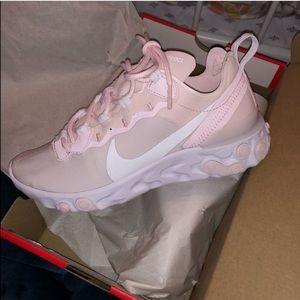 Shoes - Nike react